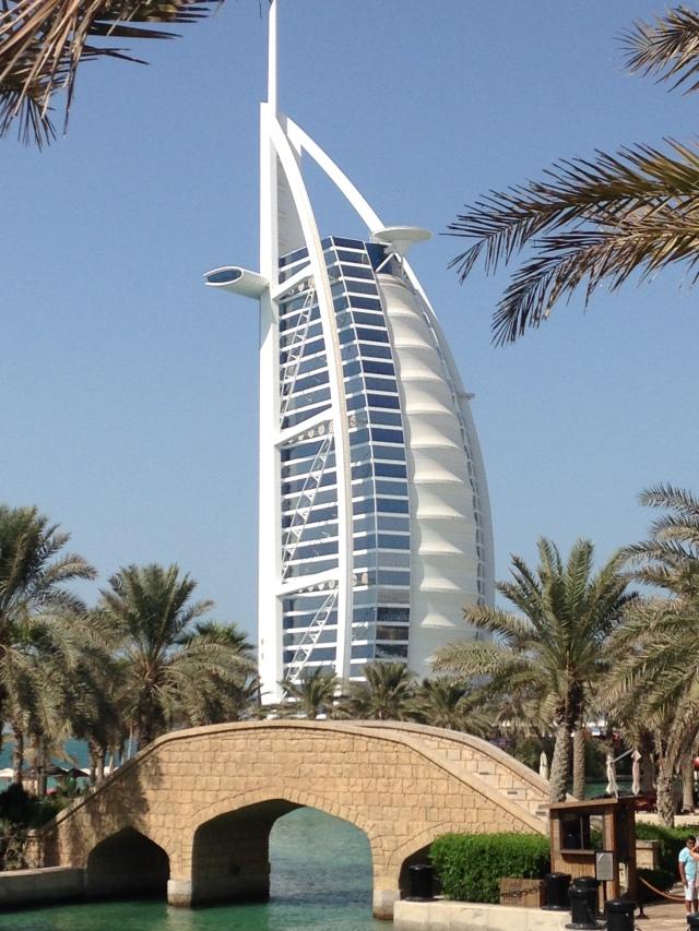 Burj Al Arab em Dubai, Emirados Árabes. Hotel pertencente à rede Jumeirah Hotels & Resorts