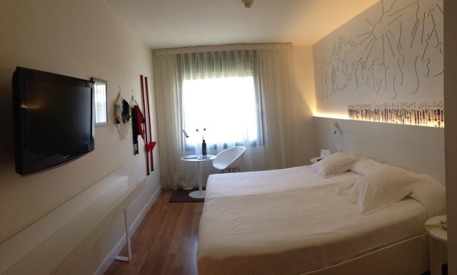 Pol & Grace Hotel em Barcelona. Um hotel longe do agito da região turística, mas engraçadinho e aconchegante.